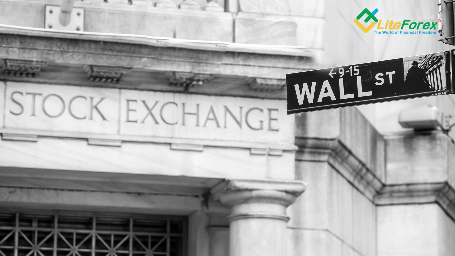 Zmiany w godzinach handlu z powodu Dnia Pamięci oraz wiosennego święta bankowego